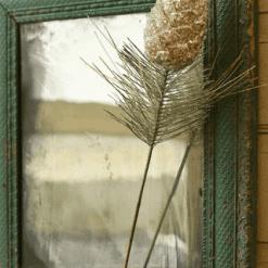 Vintaged Pine & Glitter Pinecone